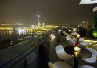 sky 21 bar & restaurant