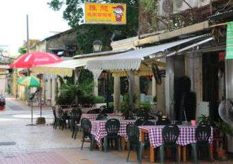 3-LLM-Eating out in coloane