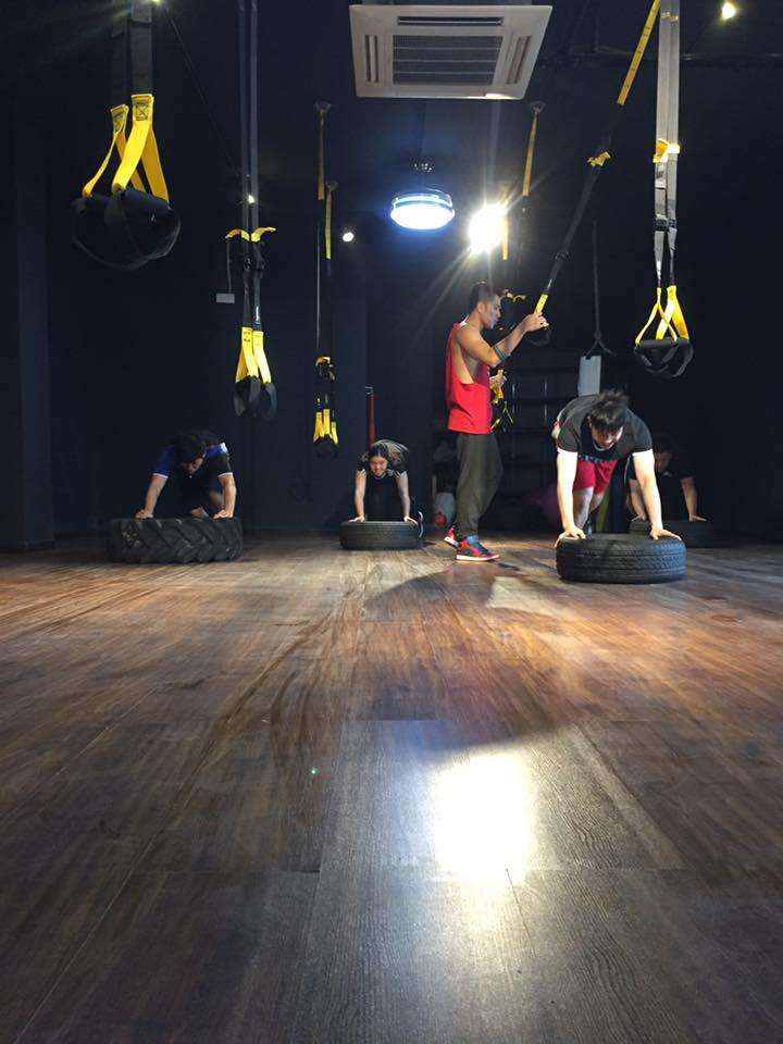 People working out at JK Fitbox