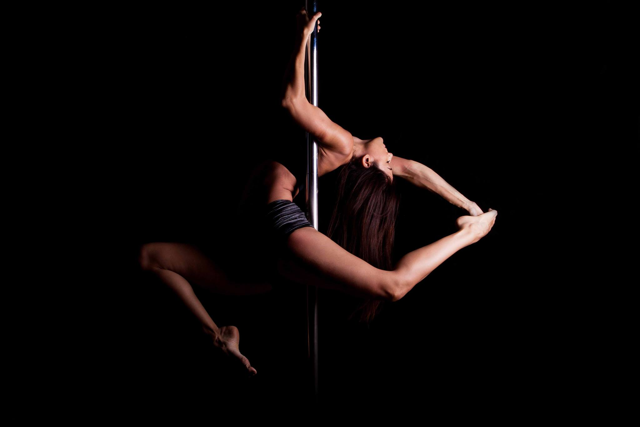 Warrior Pole and Aerial studio taipa macau pole dance