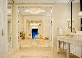 Wynn Palace Cotai fountain salon suite bathroom