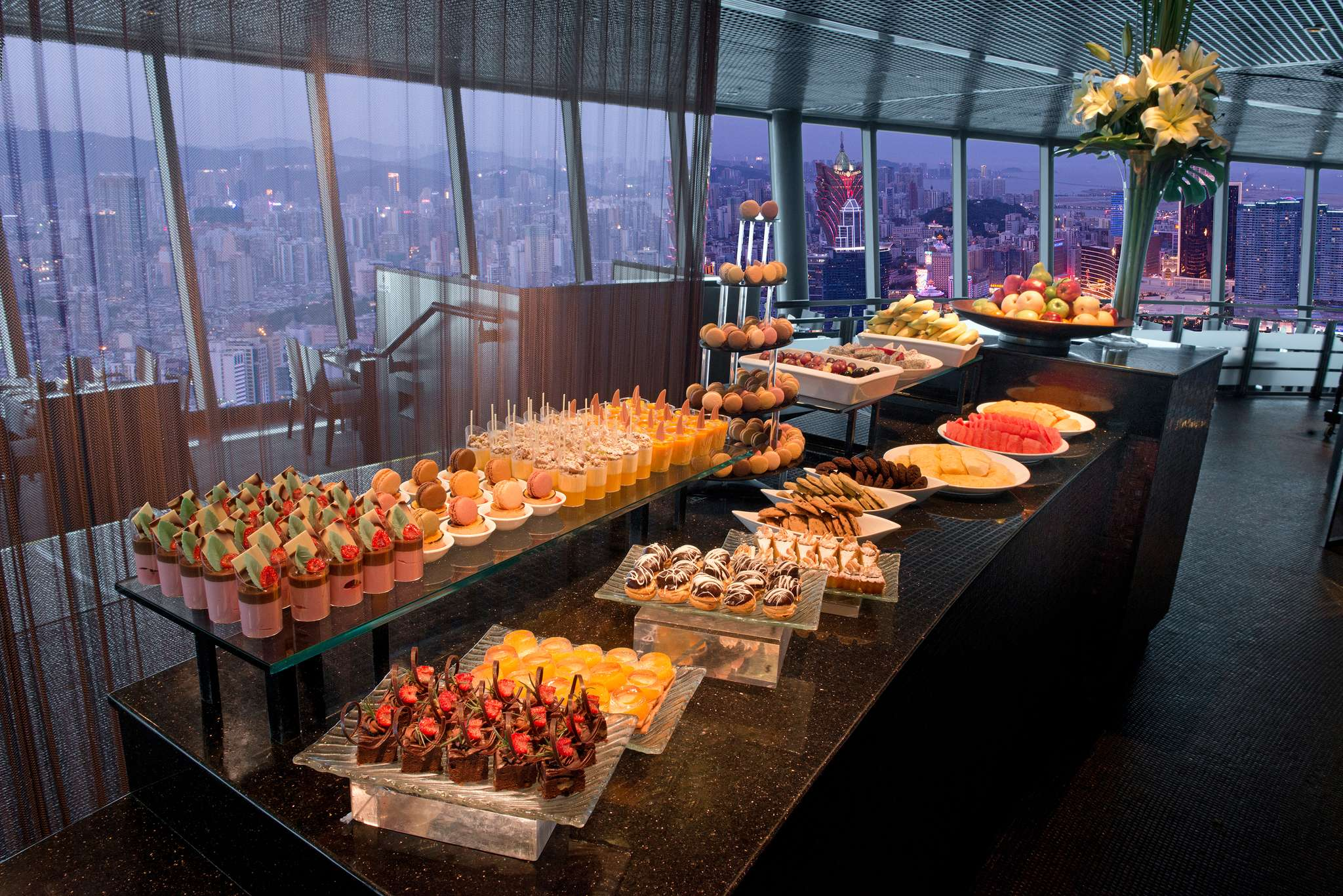 Macau Tower 360cafe_bar4796LR
