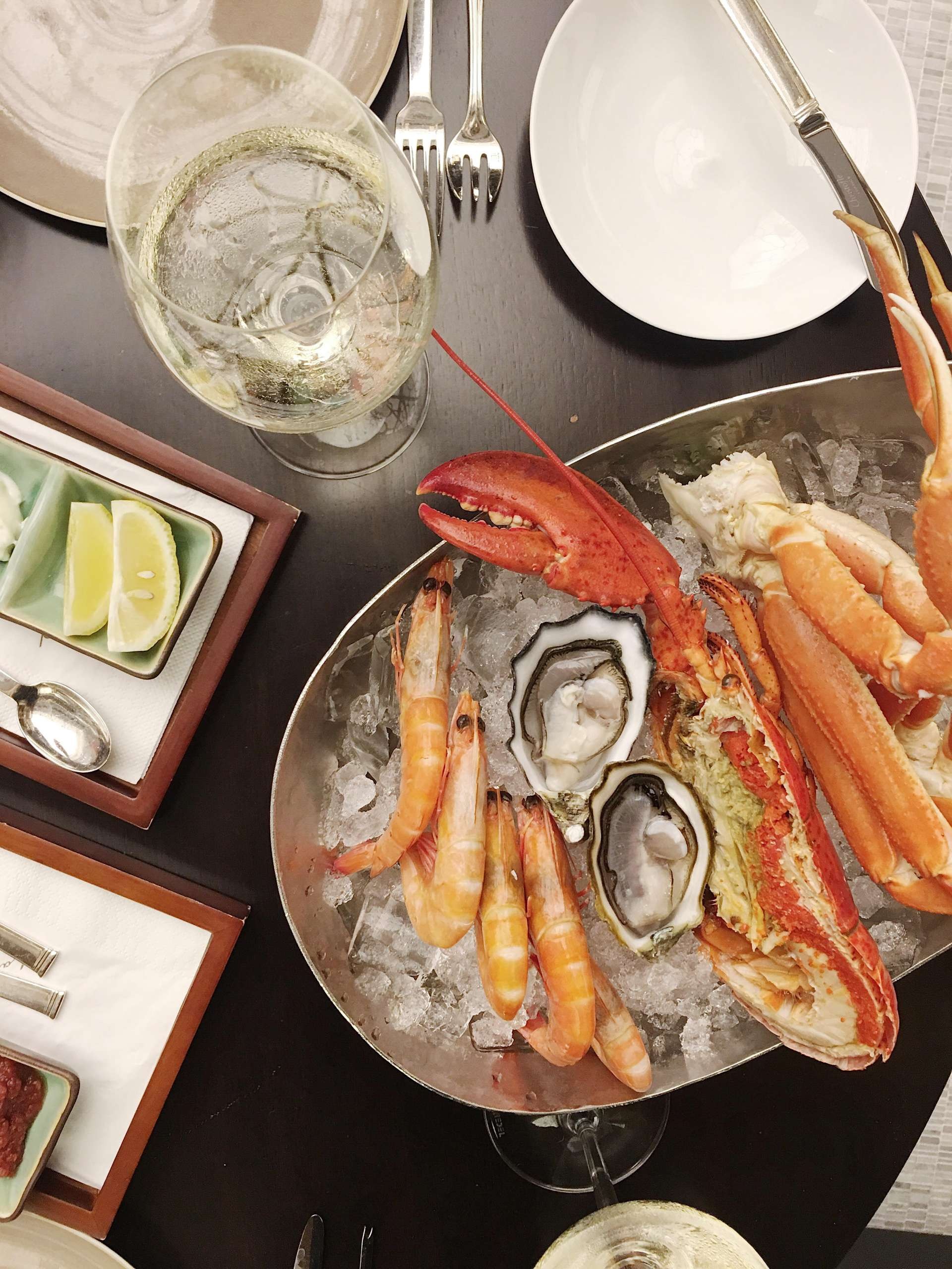 Seafood brunch with white wine at st regis macao