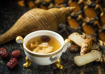 Pearl Dragon dish