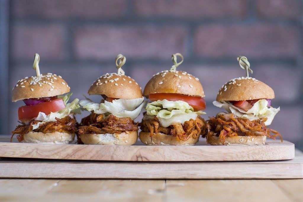 Feed Me Guru Pig's Burgers 9