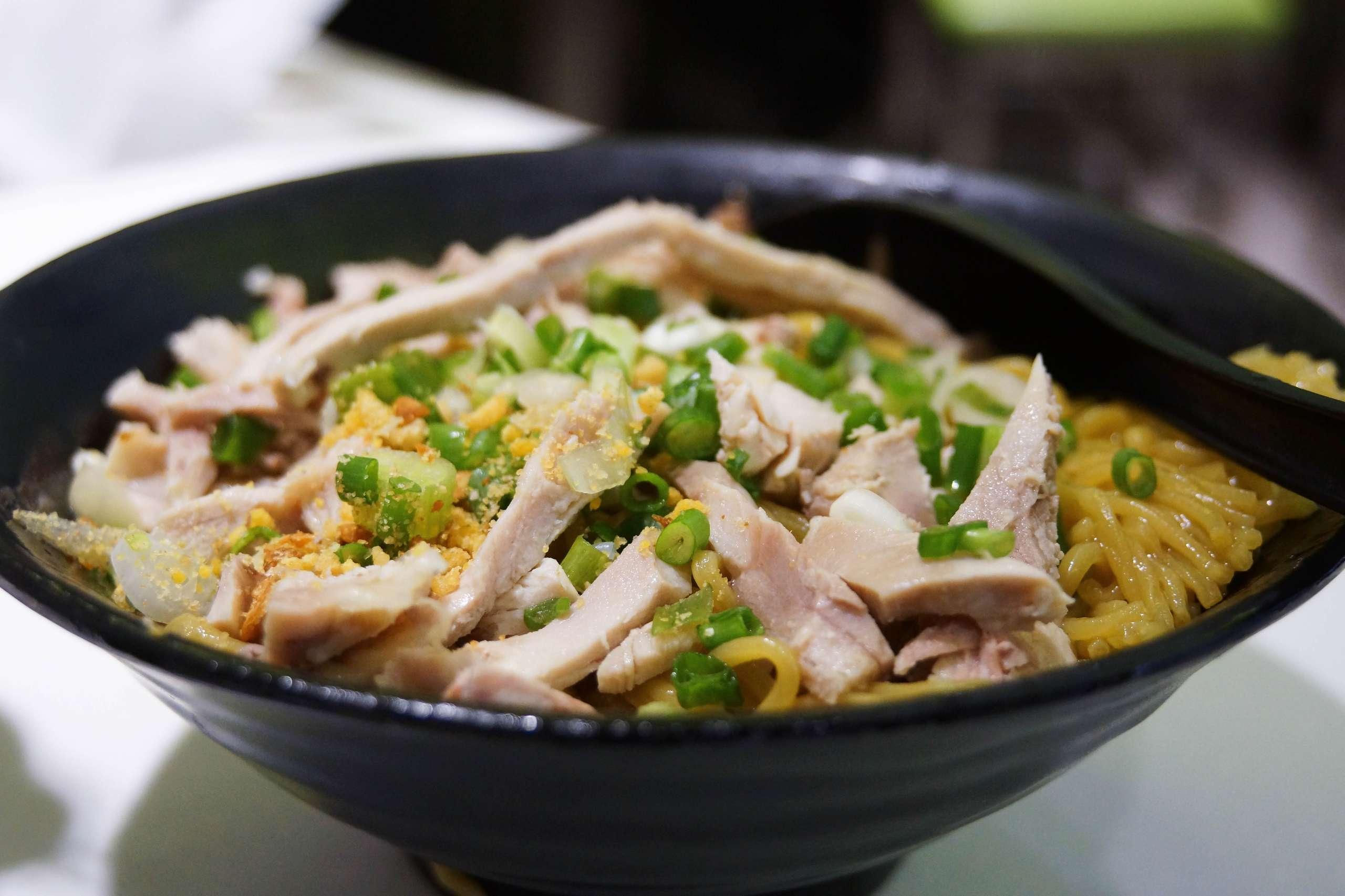 Chicken slice stirred noodles