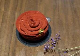 Rocca rose cake