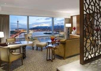 Mandarin Oriental deluxe suite
