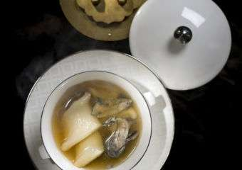 Ritz Carlton – Lai Heen Double-boiled Chicken Soup with Fish Maw and Sea Coconut