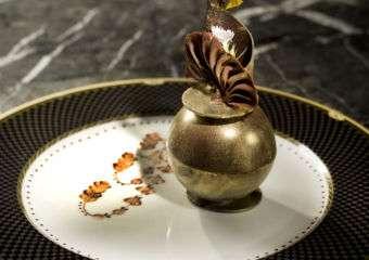 The Ritz-Carlton Cafe La Surprise au Chocolat