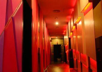 Hallway of DD3 club