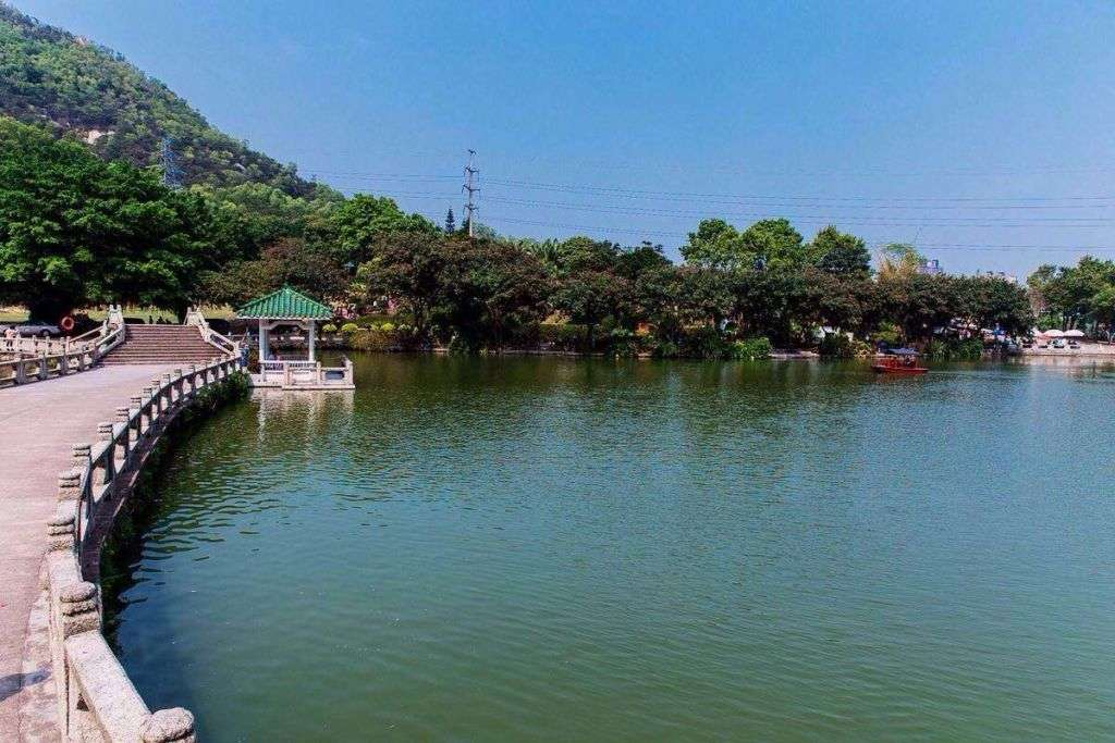 Picture of Bailiandong park in Zhuhai.