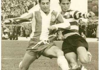 Augusto Rocha playing football.