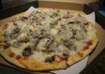 Honest Pizza – Philly Cheeseesteak Pizza