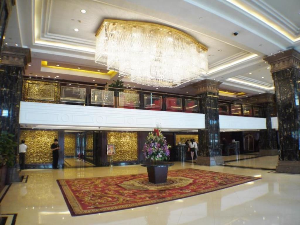 Interior shot of the lobby of Hotel Presidente in Macau