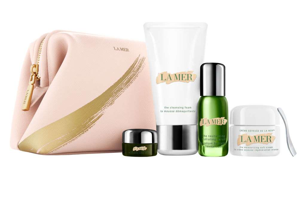 A La Mer gift set including body lotion.