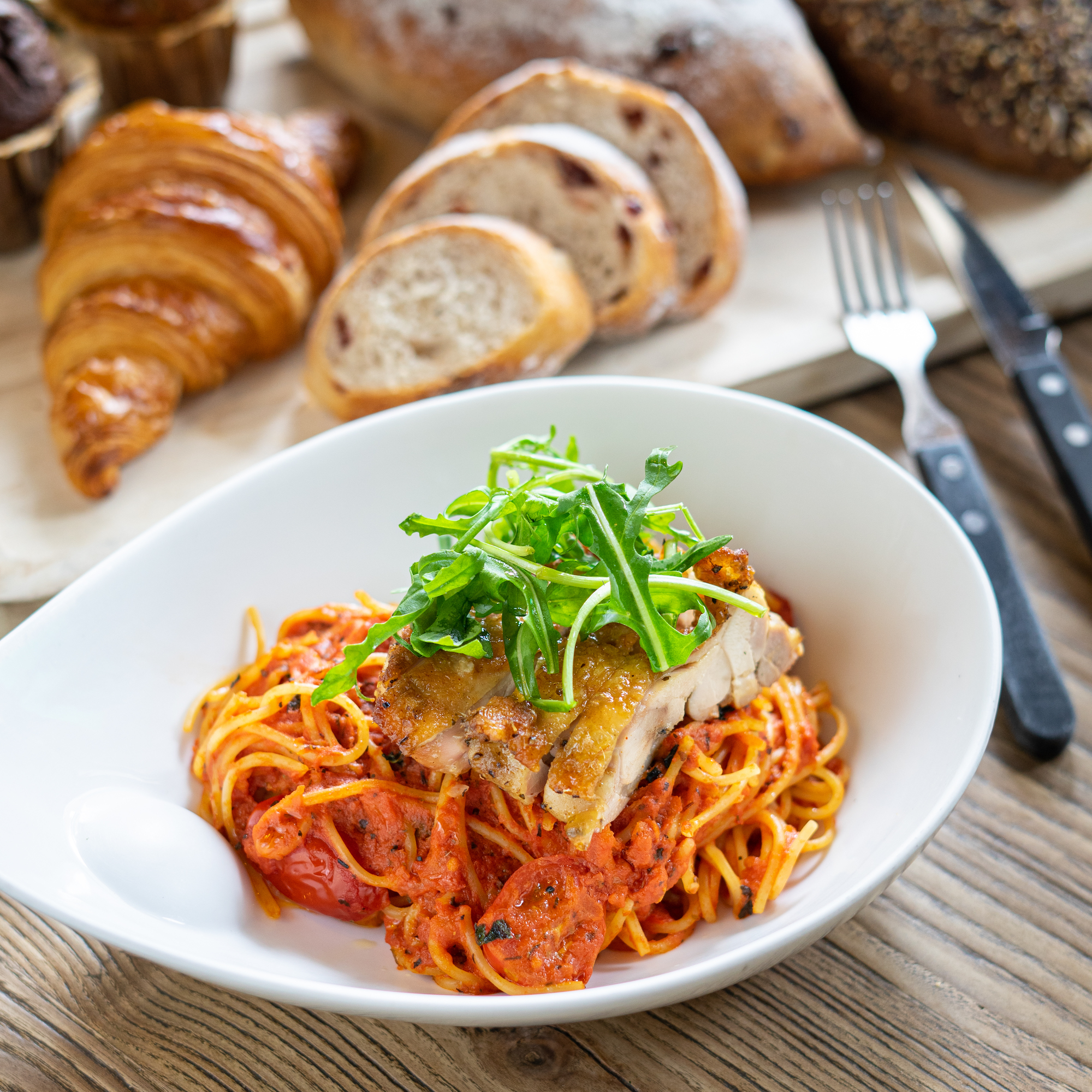 Cajun Chicken in Tomato Spaghetti with Arugula common table taipa