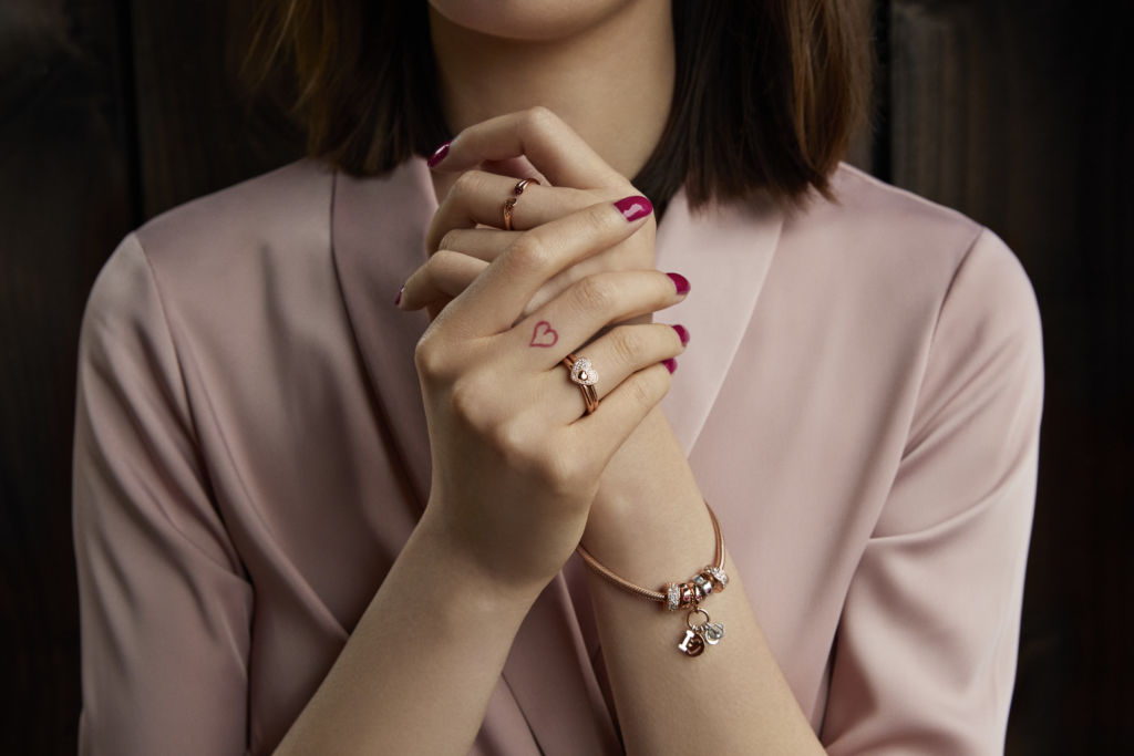 PANDORA 2018 Valentine's Collection model 03