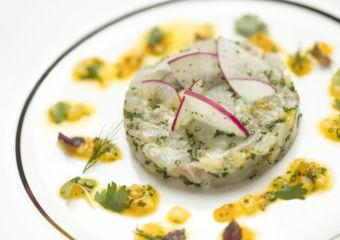 Diao_Yu_Ta_Ta_Pei_Luo_Bo_Xiang_Cao_Ji_Gan_Ju_Xiang_Cu__Japanese_sea_bream_tartar_herb_and_citrus_vinaigrette