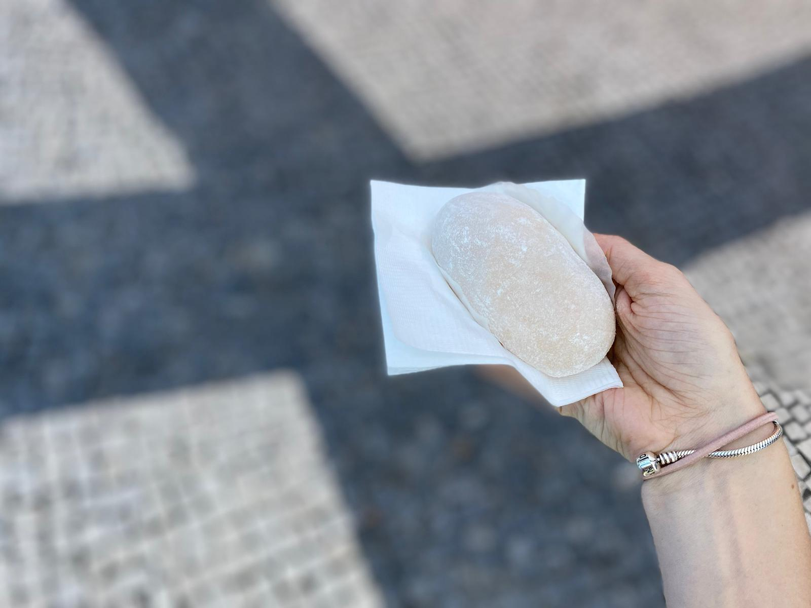 Mochi Macau Mochi in Hand with Blurred Background Credits Ksenia Kuzmina