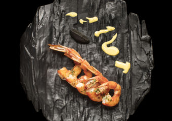 Xi_Ban_Ya_Tan_Shao_Da_Hong_Xia_Hei_Suan_Ni_Jiang__Charcoal_grilled_Spanish_red_prawn_black_garlic_dressing