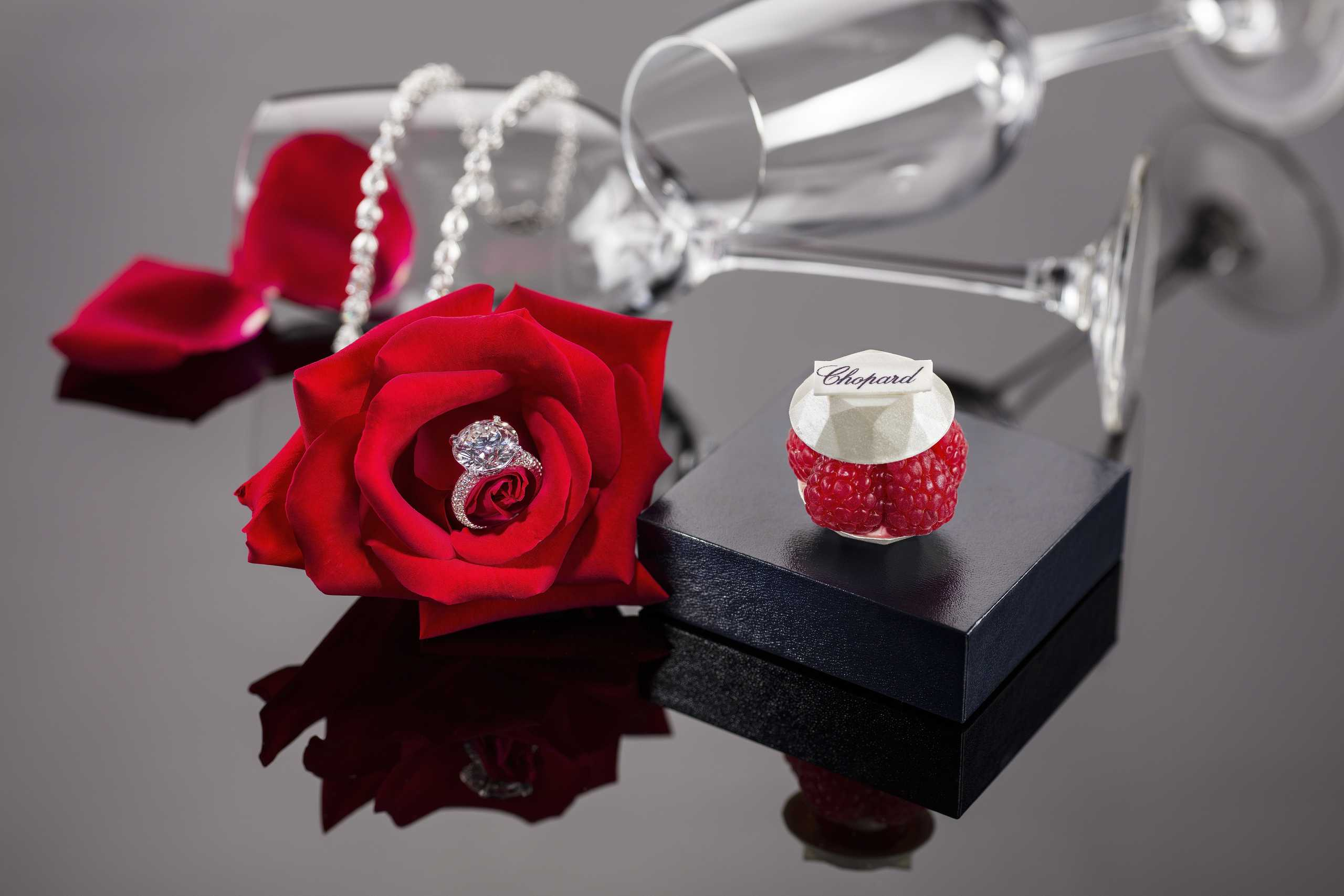 Chopard ring with red rose and pastry