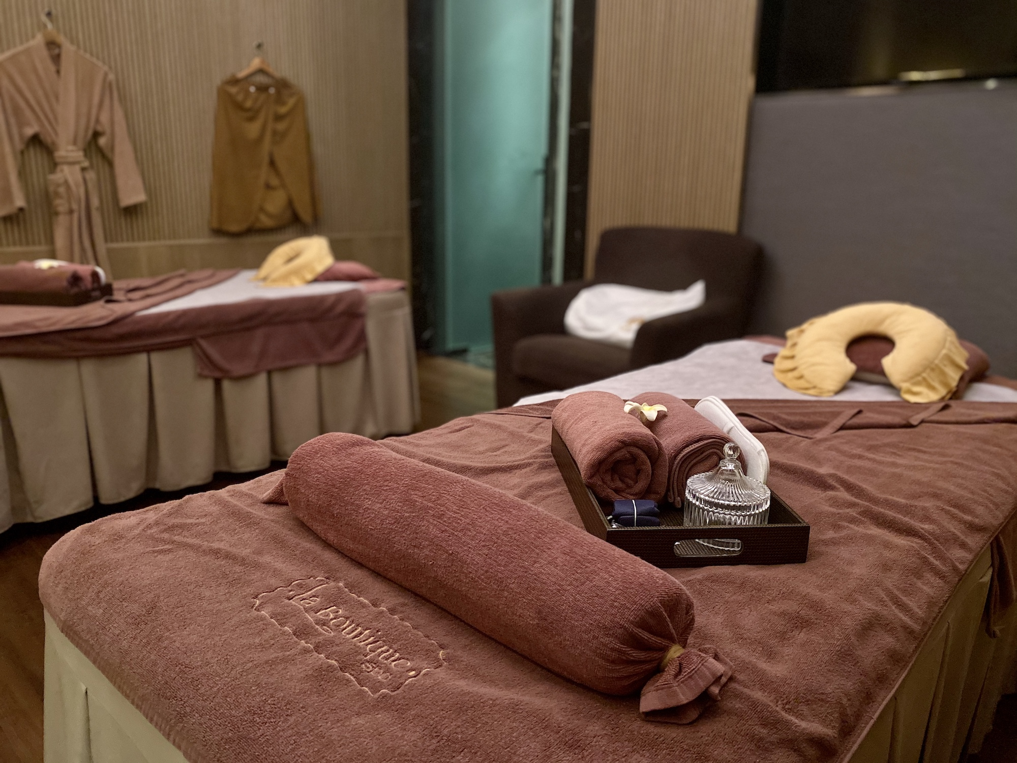 la boutique spa one oasis coloane macau couple room beds