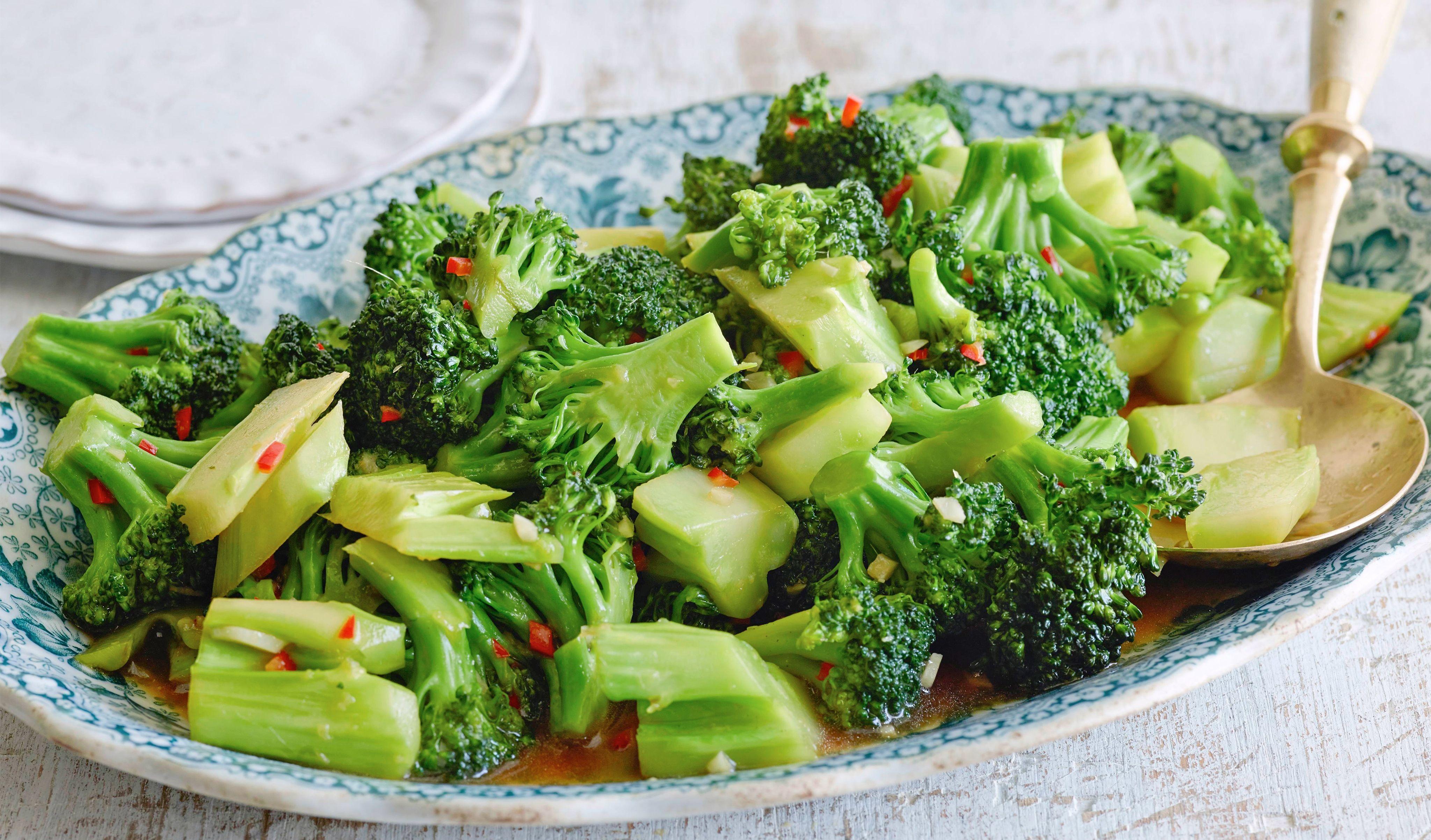 Macau dishes fried broccoli