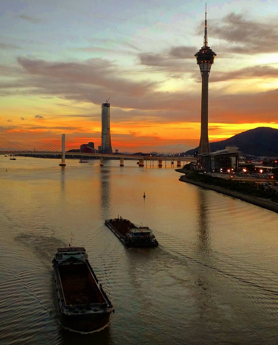 Sunsets Article Governador Nobre de Carvalho Bridge by @pepperonzy