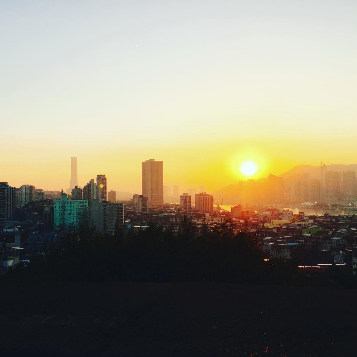 Sunsets Article at Mount Fortress by @pchlfe_kor