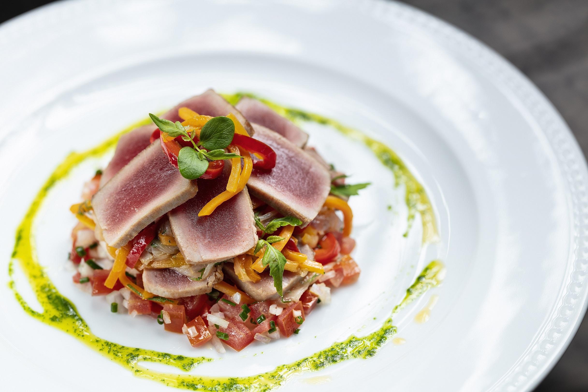 Sands-Cotai-Central-Chiado-restaurant-Tuna-tataki-with-vegetable-escabeche-and-tomato-tartare