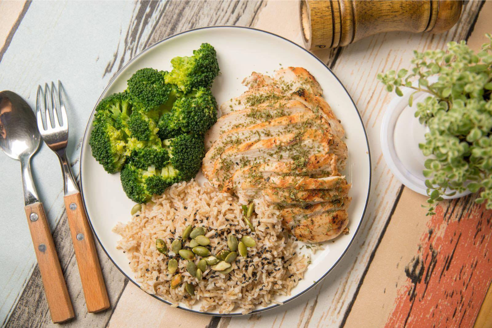 Healthy-Habits-Superfood-Cafe_rice-chicken