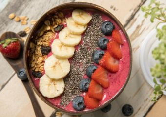 Healthy-Habits-Superfood-Cafe_smoothie-bowl