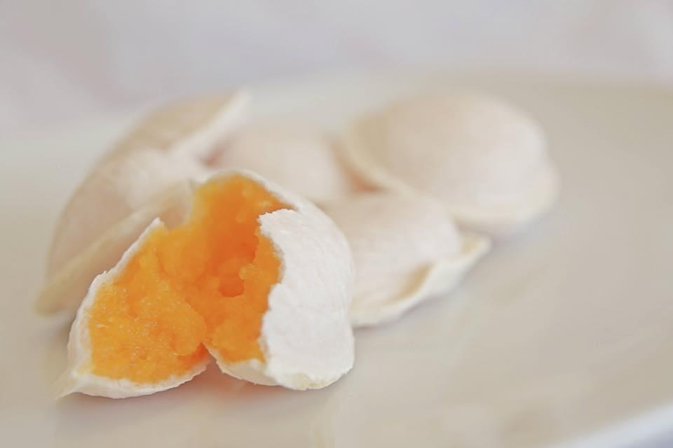 Portuguese pastries Macau ovos moles
