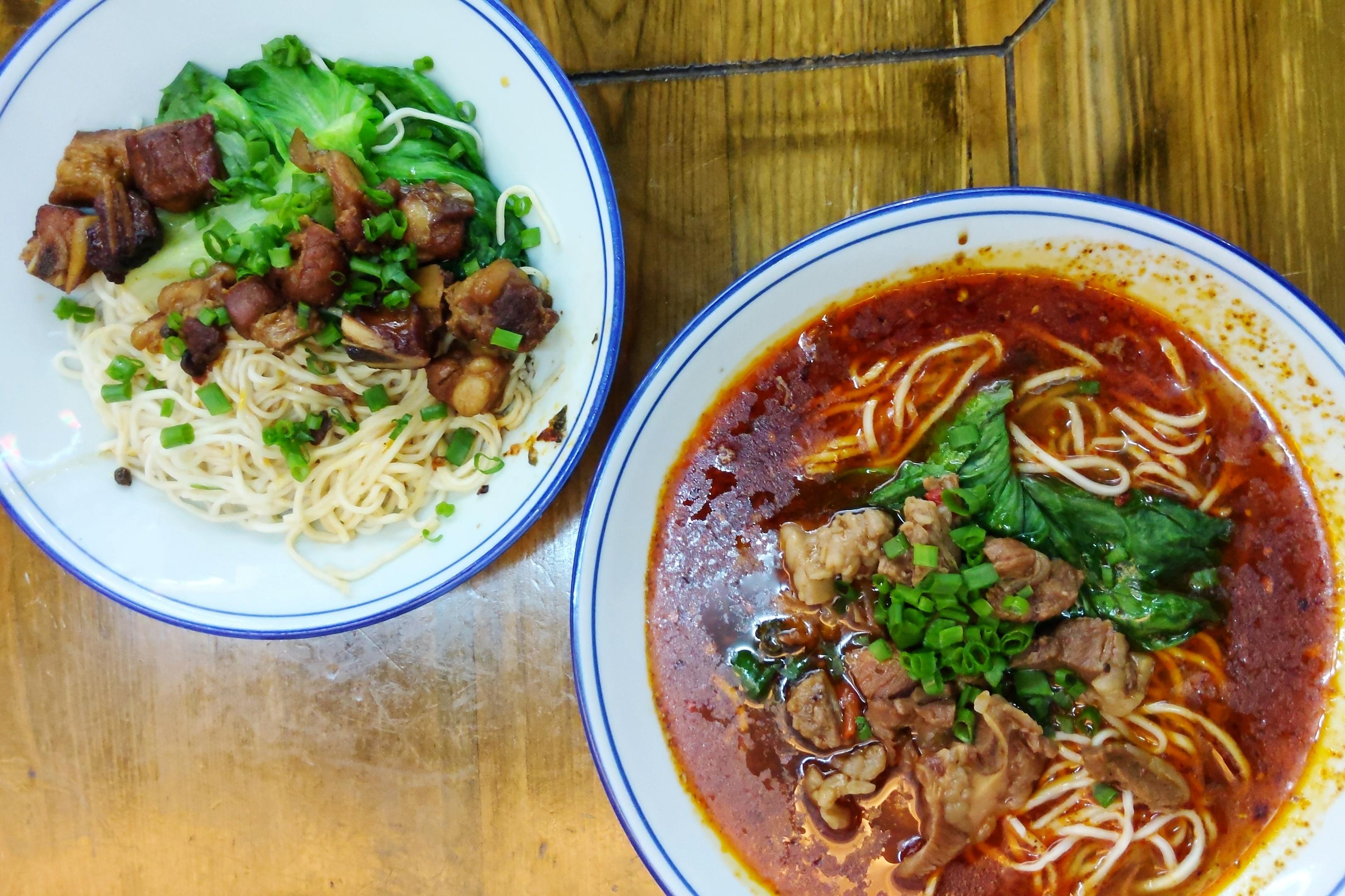 spicy food in Macau Chicken Pot