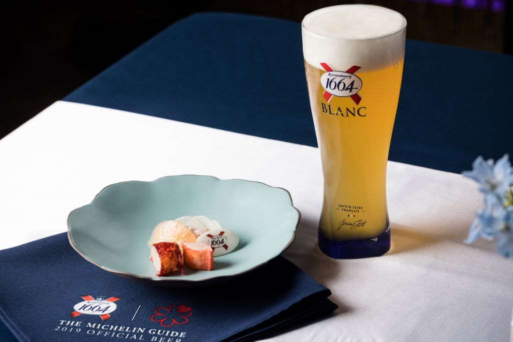 Brittany Blue Lobster paired with 1664 Blanc