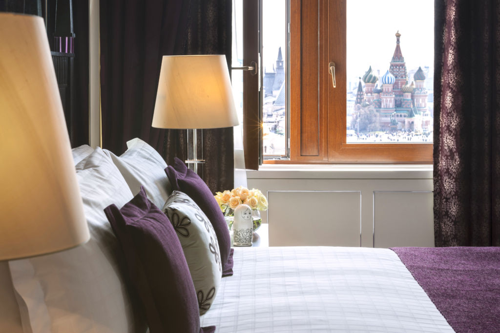 Four Seasons HOtel Moscoe 4 Grand premier suite bedroom
