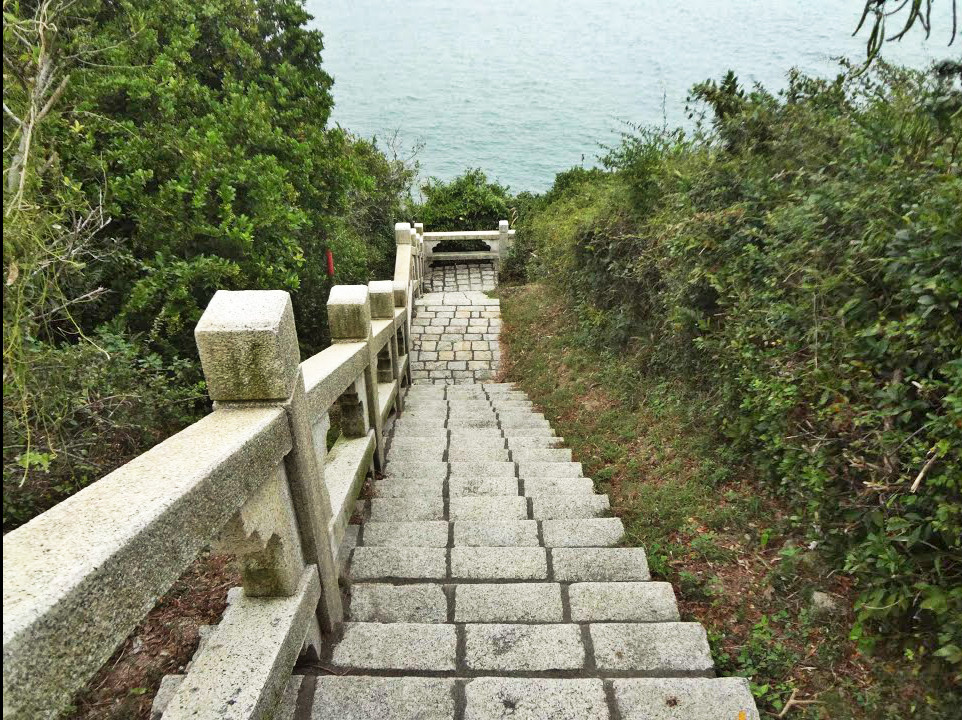 mini great wall cheung chau hiking