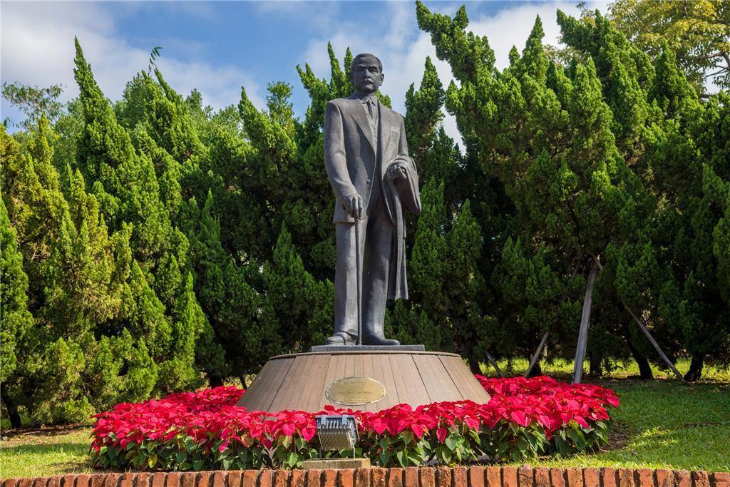 sun yat sen statue IAM websit