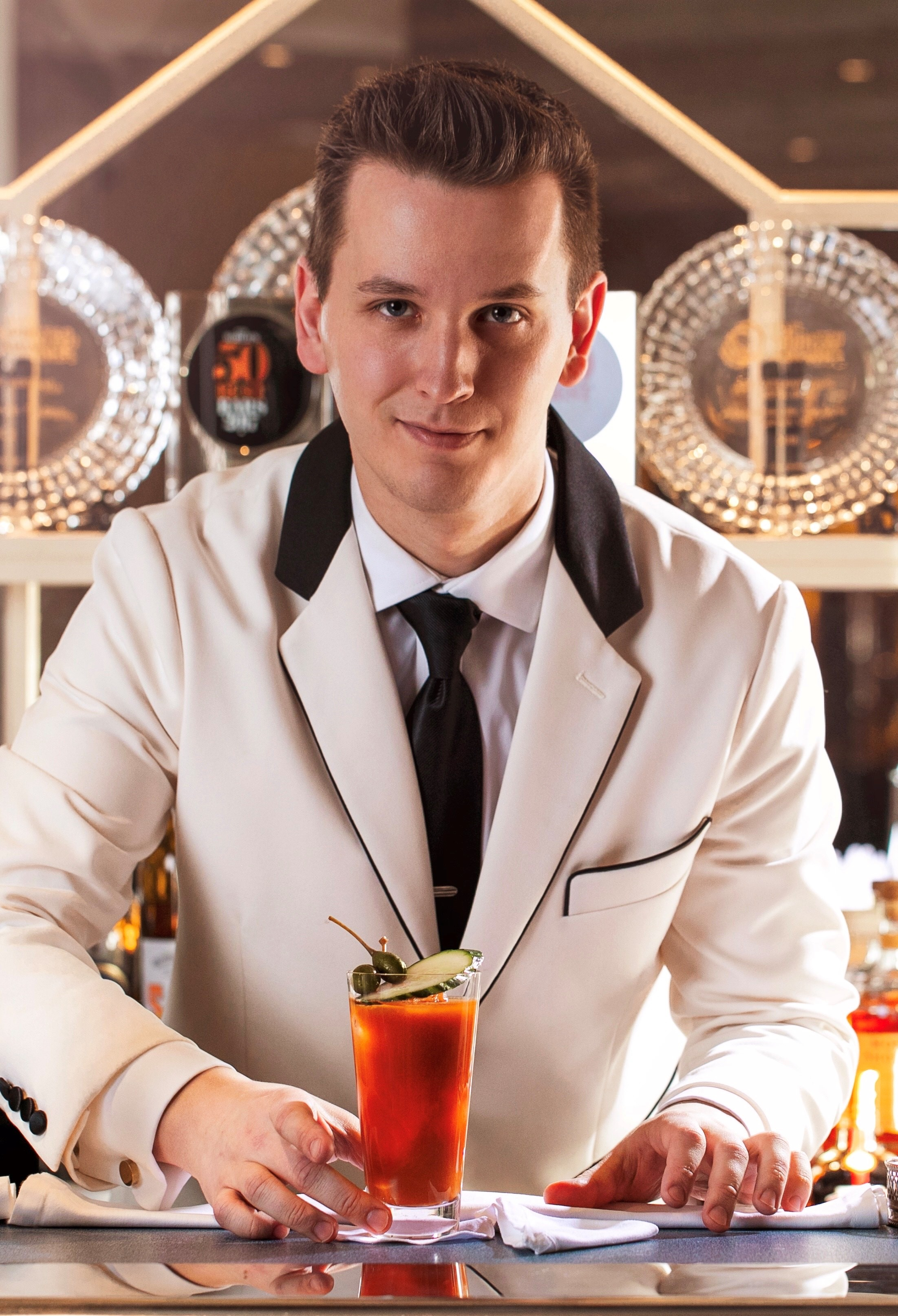 Maxim Schulte with Cocktail at Mandarin Oriental
