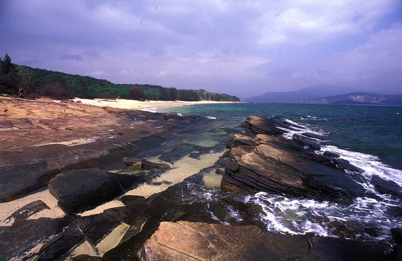 Tung Ping Chau rocks