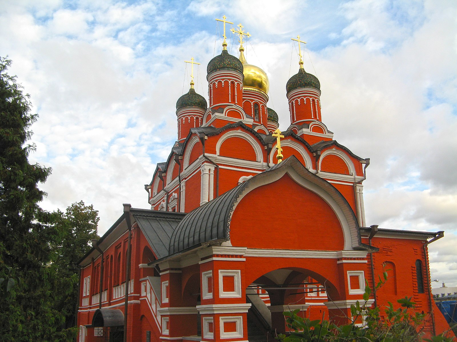 10 things to do in moscow varvarka znamenskiy monastery