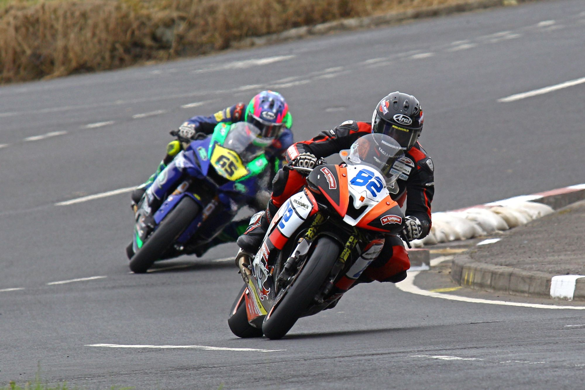 DEREK-SHEILS-FINISH-ON-THE-ROADHOUSE-MACAU-YAMAHA-AT-THE-ARMOY-ROAD-RACES