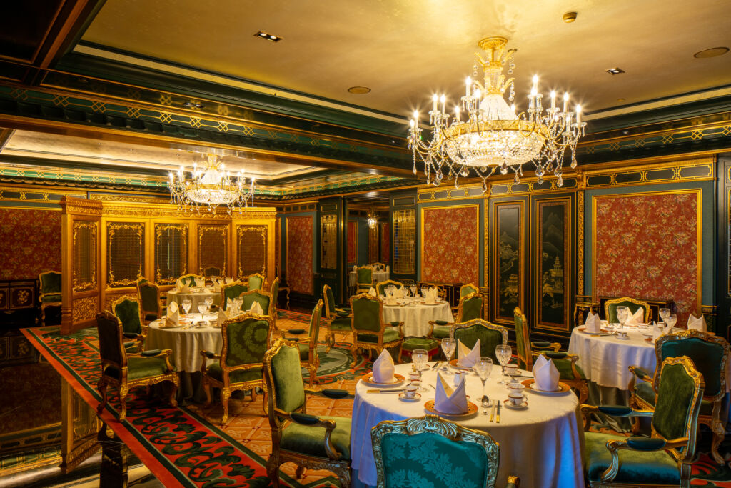 the 13 hotel Chinoiserie (1)