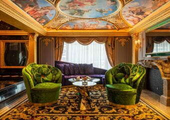 the 13 hotel Du Comte (1)