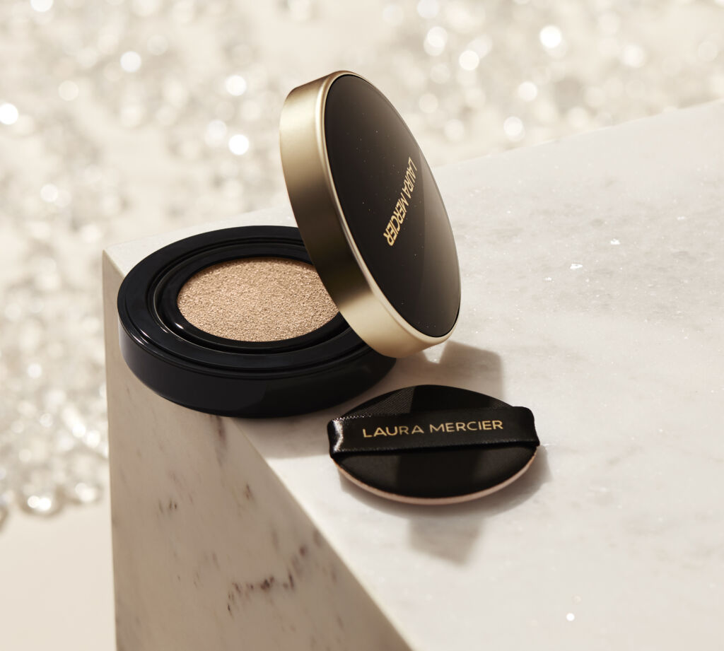 Laura Mercier Flawless Lumière Radiance-Perfecting Cushion march beauty buys