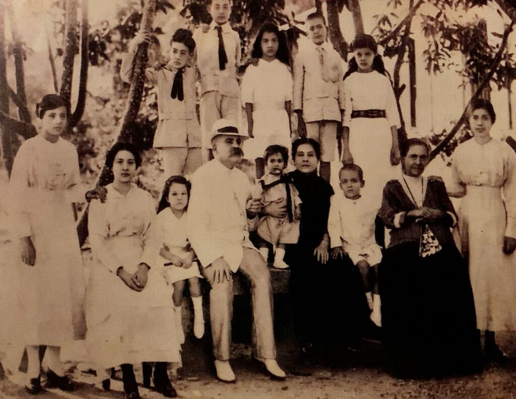 Macanese Santos Ferreira Family with Patua Writer on the right seating