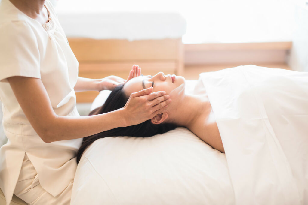 Ayurveda Lifting Facial Four Seasons Spa