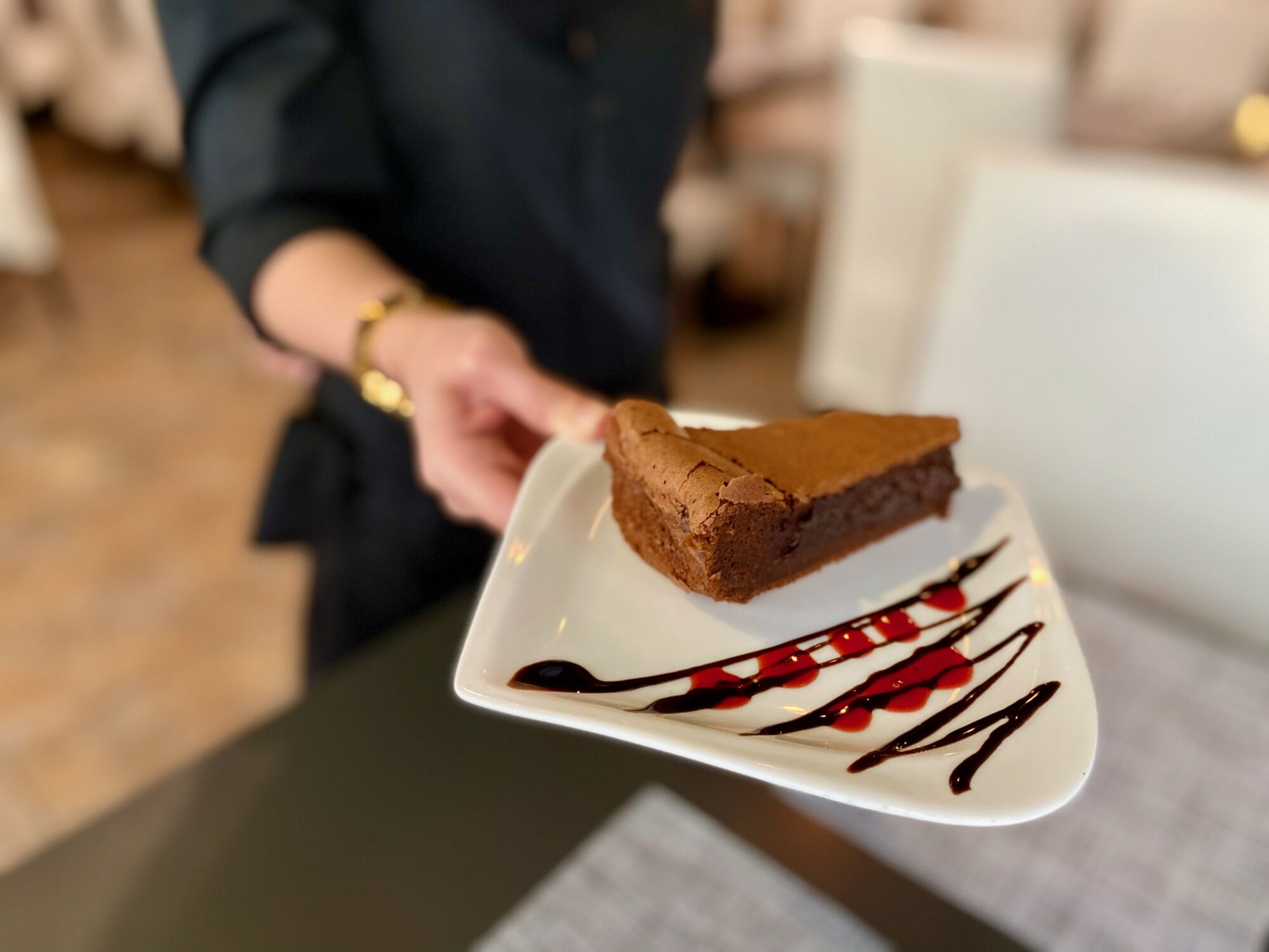 mariazinha portuguese restaurant macau chocolate sponge cake