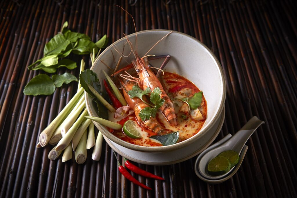 Banyan Tree Macau Saffron_Tom Yum Goong Mae Nam (Authentic Spicy Seafood Soup) copy